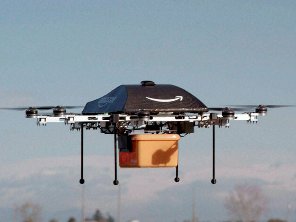 Drone delivers Pizza in Mumbai