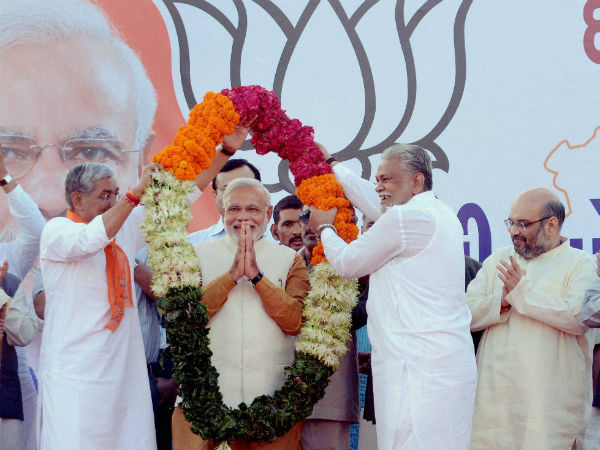 Modi meets top BJP leaders