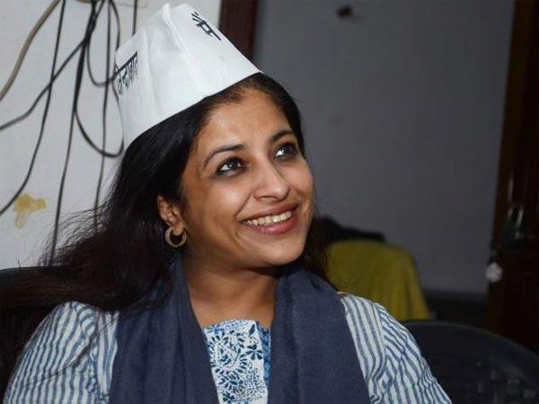 Shazia Ilmi, Capt Gopinath quit AAP