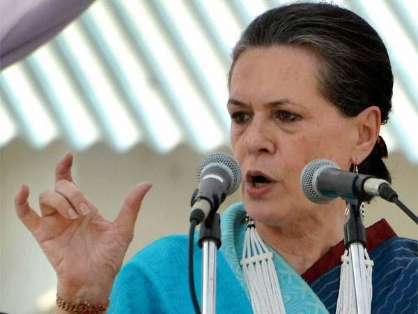 Sonia saddened by UP train accident