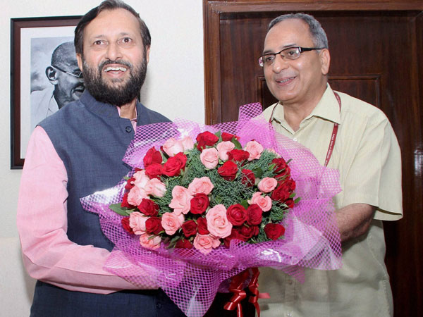Prakash Javadekar receives a bouquet while assuming charge as Minister of State