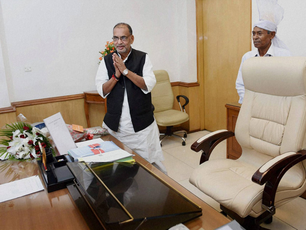 Radha Mohan Singh takes charge of the Agriculture Ministry