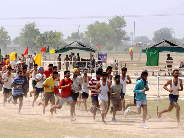Youths aspiring to join army undergo physical fitness test