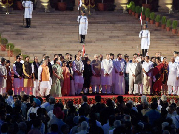 Narendra Modi with the Union Council of Ministers after taking oath
