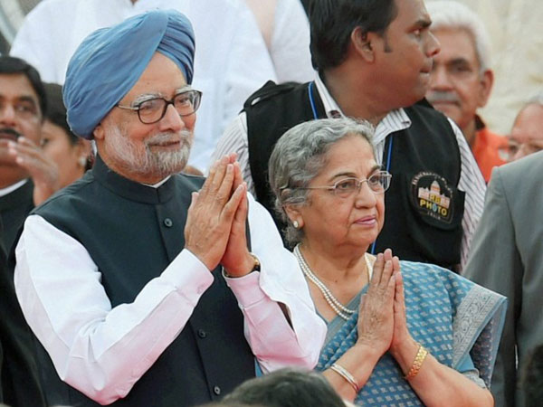 Outgoing Prime Minister Manmohan Singh and his wife Gursharan Kaur