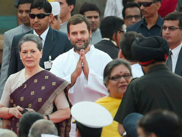 Congress President Sonia Gandhi, Rahul Gandhi and other guests at the swearing-in