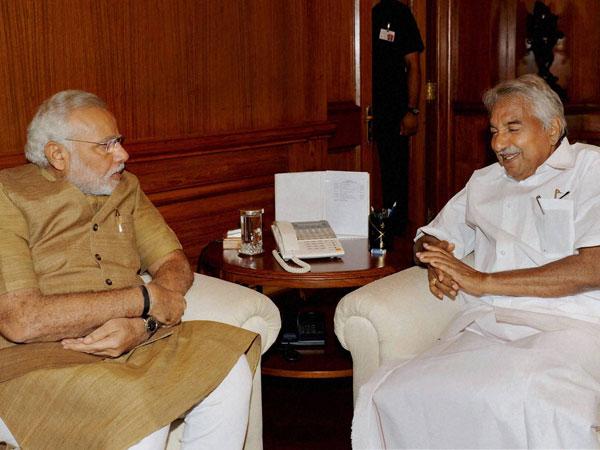 Kerala CM Oommen Chandy meets Modi