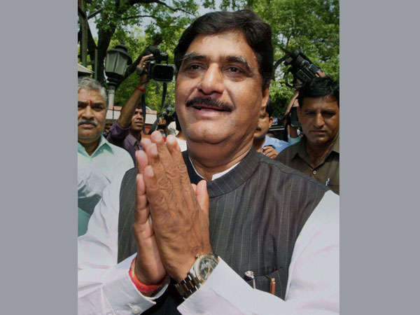 Sonia expresses pain over Munde's death