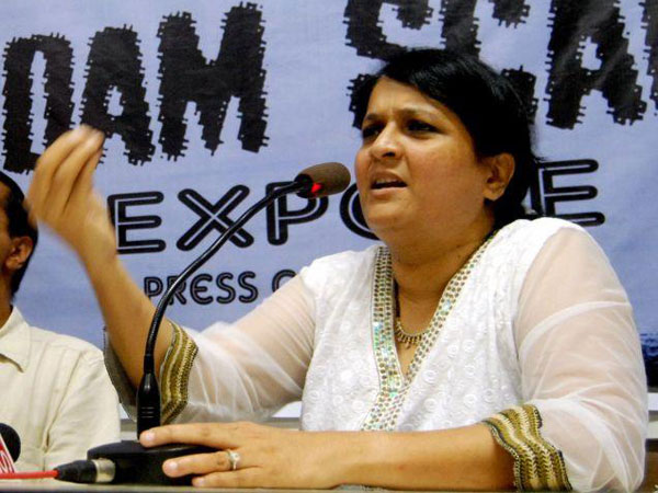 Anjali Damania quits AAP