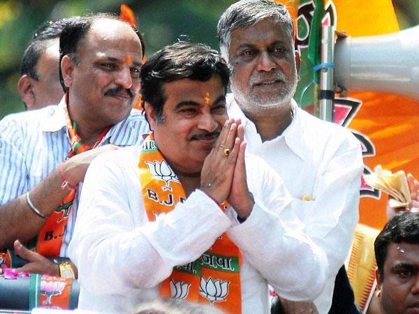 PM to decide on CBI probe demand into Munde's death: Gadkari