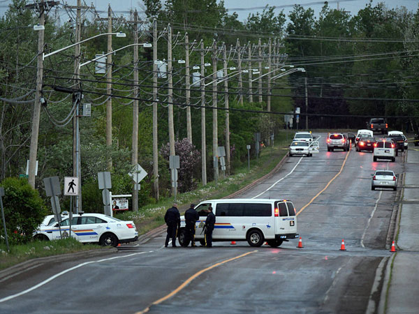 Man kills three officers in Moncton