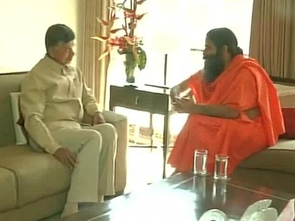 Hyderabad:Ramdev meets Chandrababu Naidu