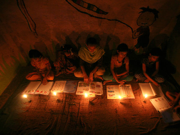 Powercuts continue to worry Delhi