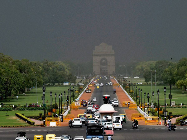A view of Rajpath and India Gate as weather turns cloudy in New Delhi
