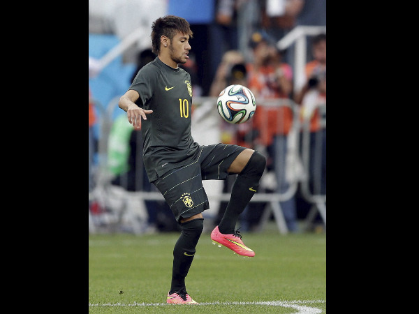 Brazil's Neymar trains ahead of World Cup opener