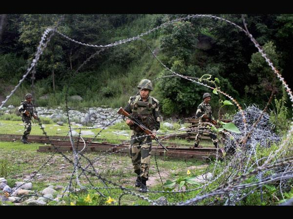 Police tell residents along Indo-Pak border to be vigilant