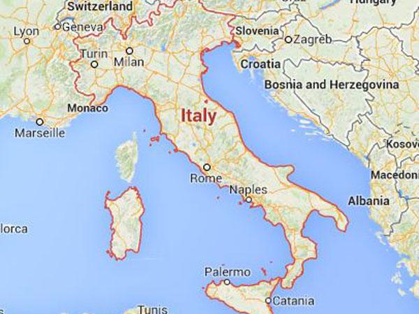 Italy's navy rescues 40 migrants