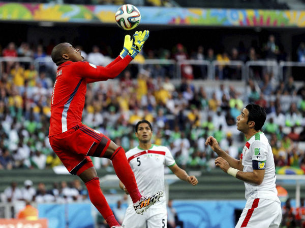nigeria-goalkeeper-celebrates