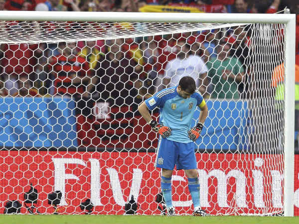 Casillas reacts after conceding a goal against Chile