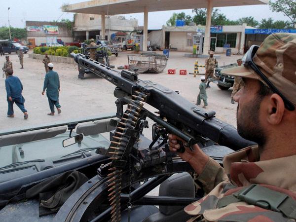 1 lakh flee Pakistani tribal belt