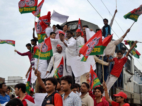 SP protests hike in railway fare