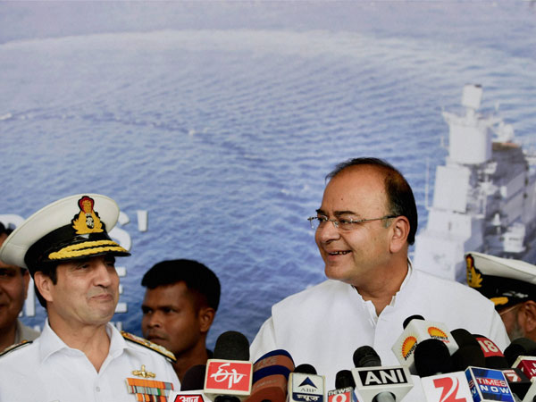 Defence Minister Arun Jaitley with Navy chief Admiral RK Dhowan