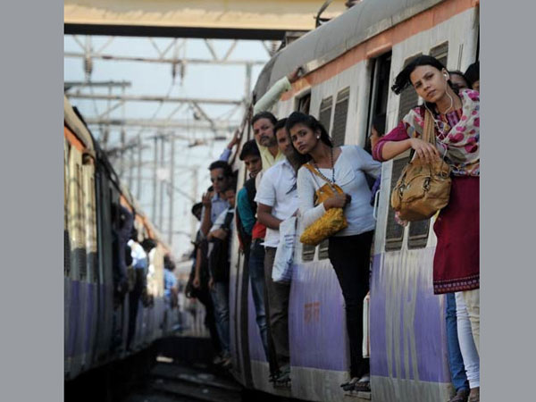 Has Mumbai overhyped rail fare issue?