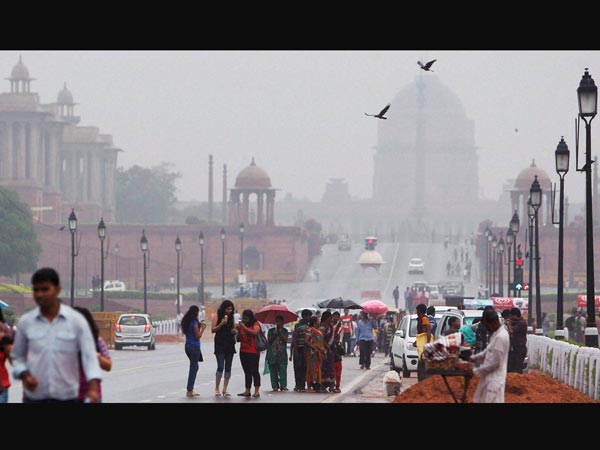 Rains cool Delhi, cloudy day ahead
