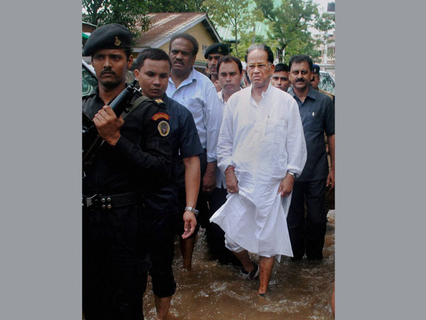 Assam Chief Minister Tarun Gogoi visits flood affected areas