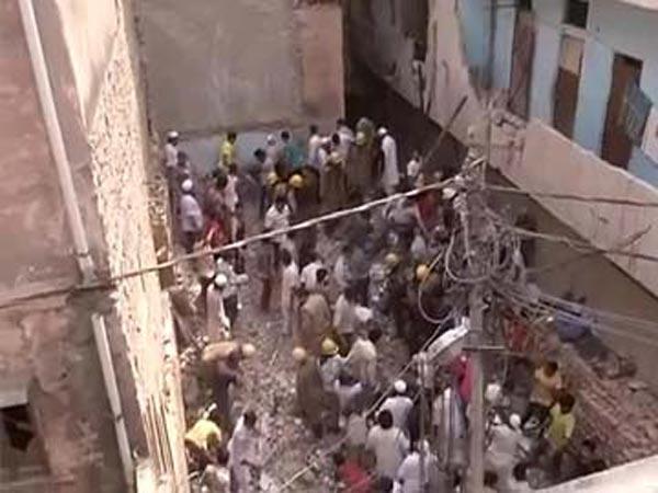 Three killed in Delhi building collapse
