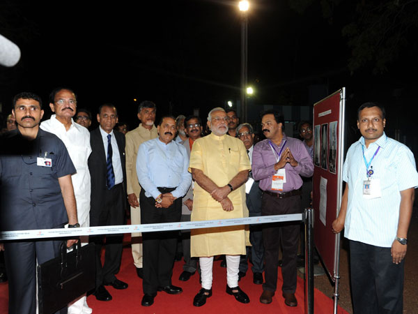 Narendra Modi congratulates the scientists for a successful launch