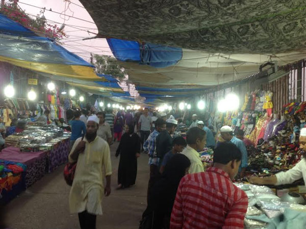 Shopping begins on the eve of Ramzan