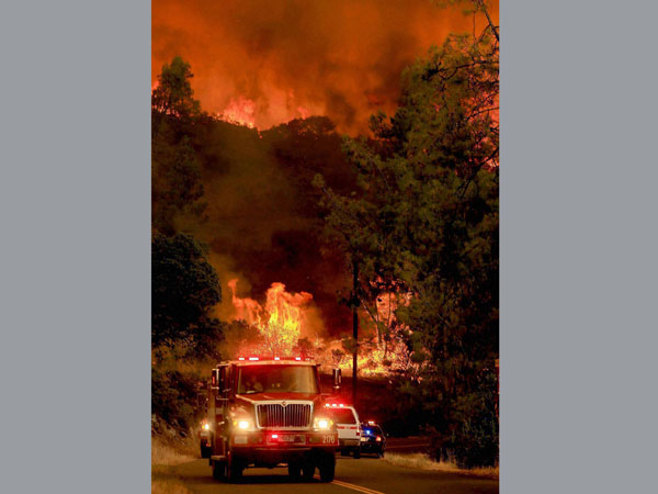 Fire rages in Middletown, California