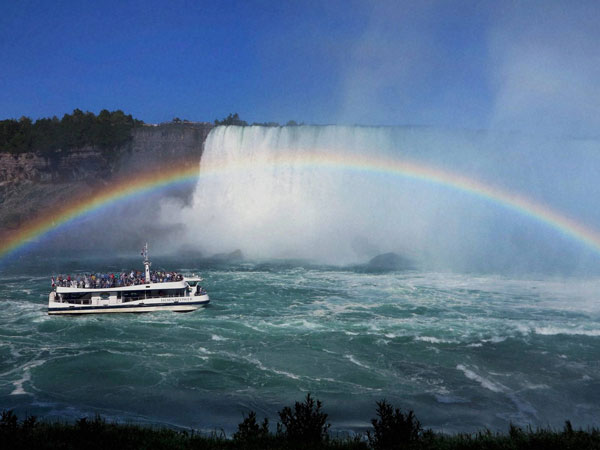 A rainbow adds to the entrancing beauty of Niagara Falls