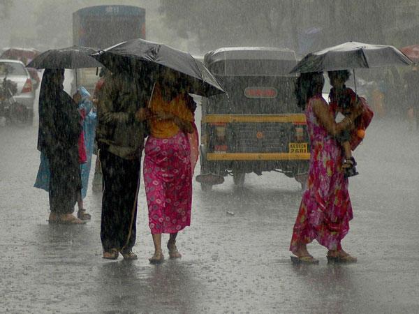 Rain disrupts normal life in Mumbai