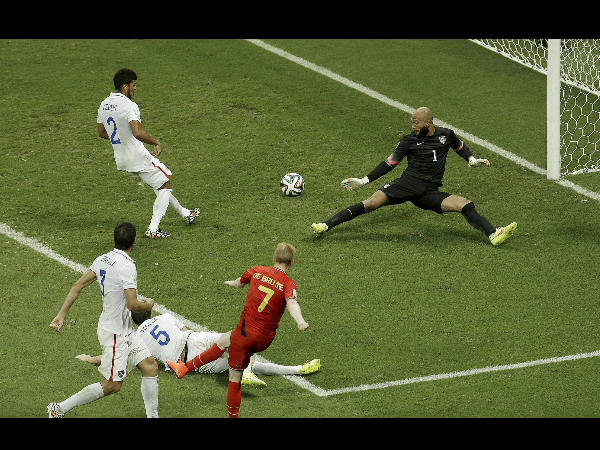 Finally, Tim Howard was beaten to the goal by Belgium's Kevin De Bruyne