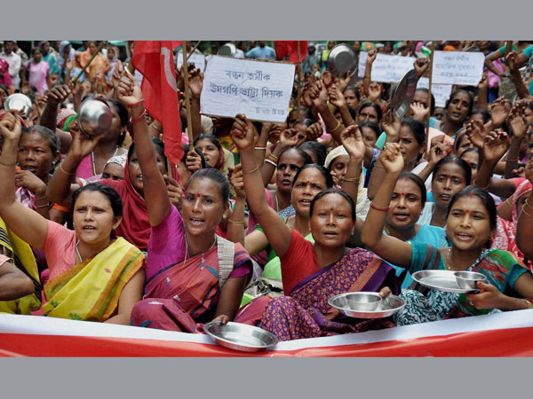 Members of the All Assam Mid-Day Meal Workers' Union