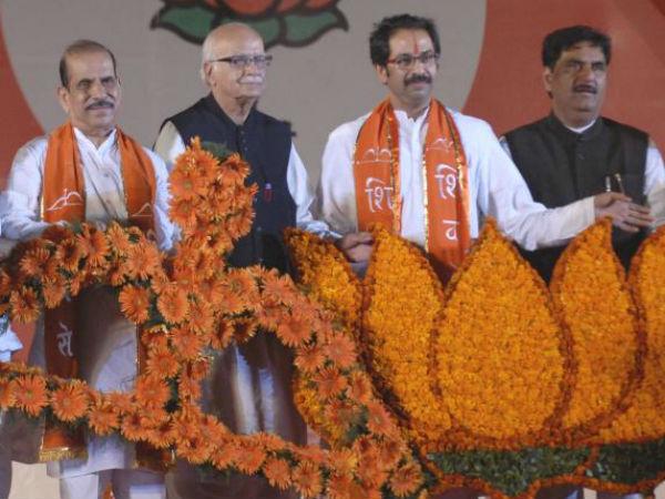 Senior BJP leaders with Shiv Sena chief Uddhav Thackeray