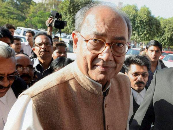 Digvijay begins fast on farmers' issue
