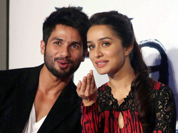 Bollywood actors Shahid Kapoor and Shraddha Kapoor
