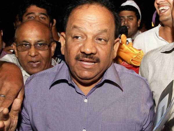 Vardhan wants cigarettes banned