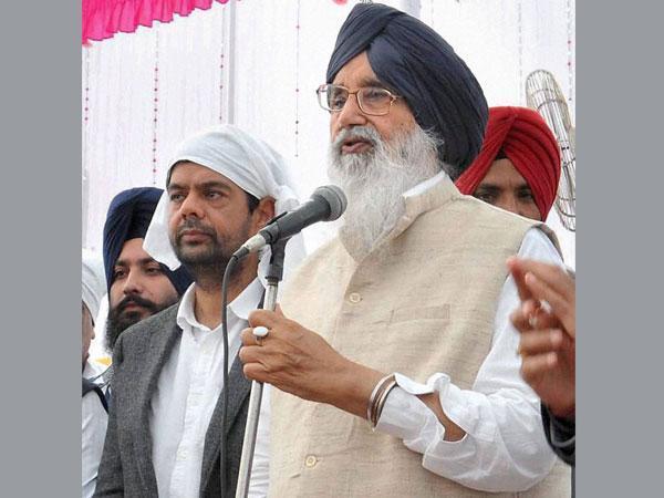Badal writes to Naidu for fish farming