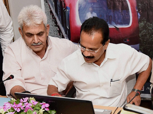 Gowda reads budget at bullet speed!