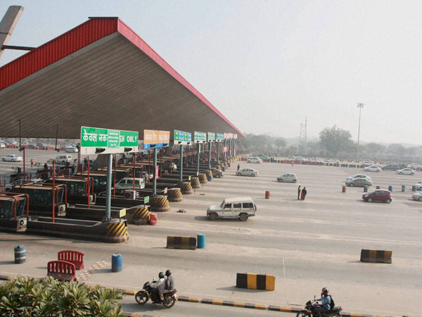 new delhi, congress, toll, hike