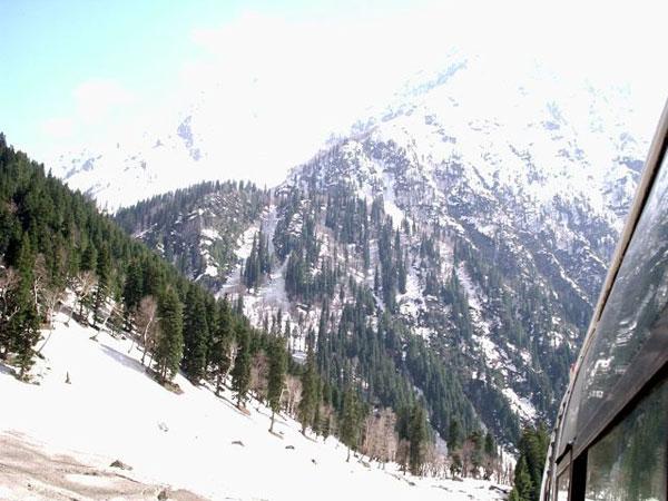 manali, himachal pradesh, tourist, hill,