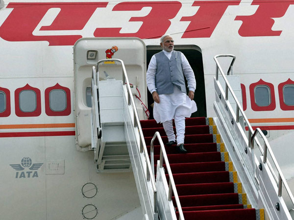 Narendra Modi arrives in style