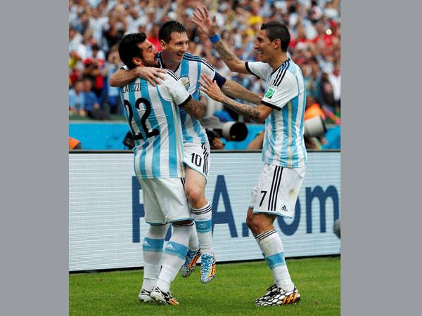 Argentina team donates WC prize money