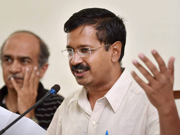 Kejriwal hits out at Najeeb Jung