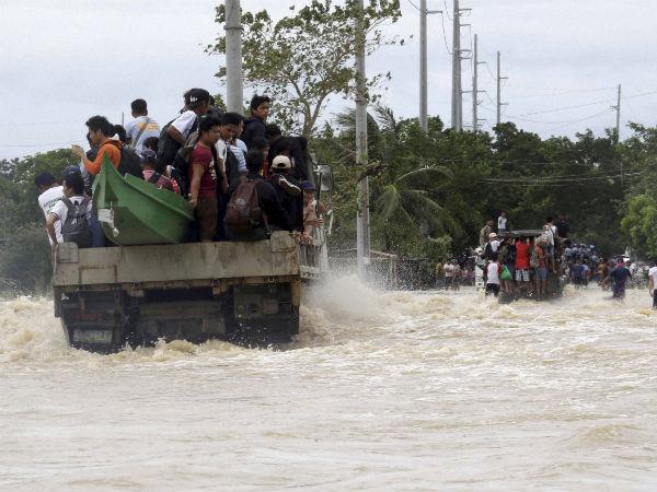 Typhoon Rammasun kills 20 in Philippines