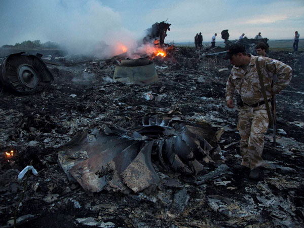 AI, Singapore airline were close to MH17